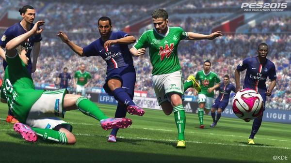 Ovdje vidimo kako mladi Lucas zabija gol uz nadzor starog kljukatog Zlatana